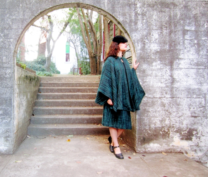 green cape set wool