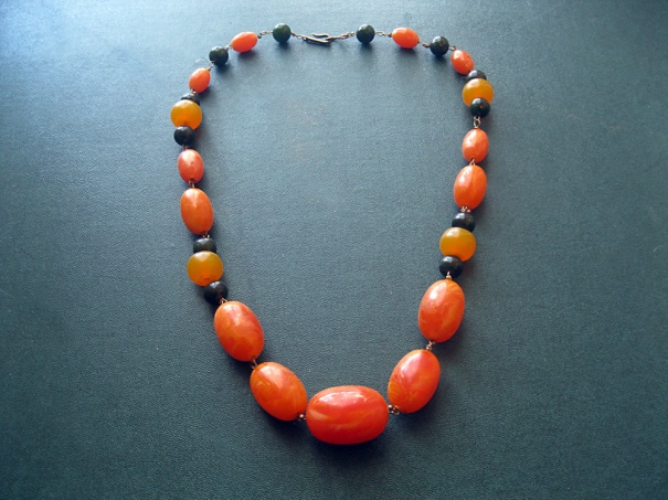 bakelite amber necklace byme2